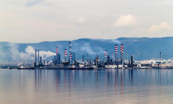 Ölproduktion steigt weltweit an – USA gewähren Ausnahmeregelungen