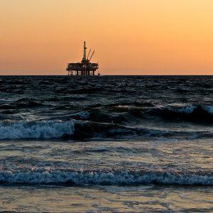 Börsengang des größten Ölförderers Saudi Aramco steht bevor – US-Ölbestandsdaten werden erwartet