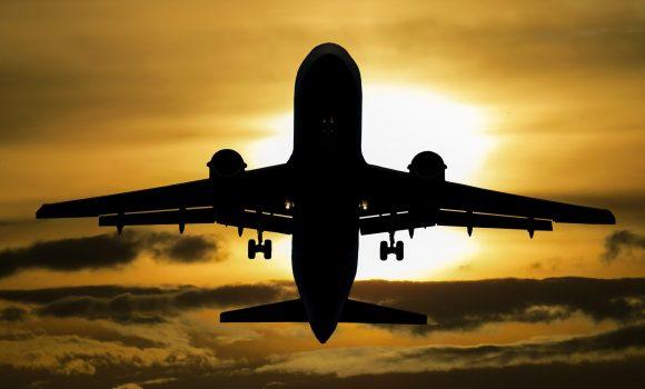 Schreckgespenst Delta – Flugverkehr weiterhin unter Druck
