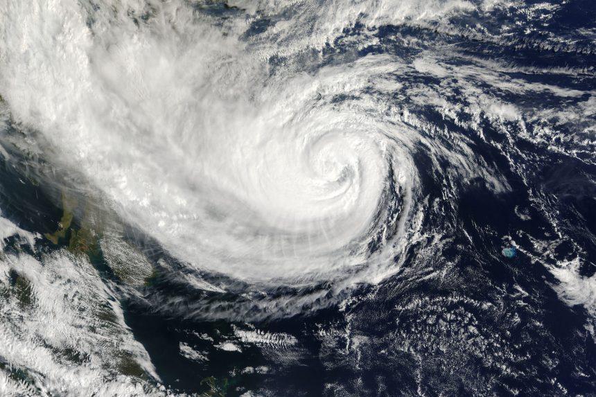 Hurrikan Ida verwüstet US-Küste – Ölanlagen ausgefallen
